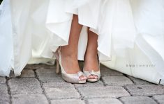 wedding shoes champagne