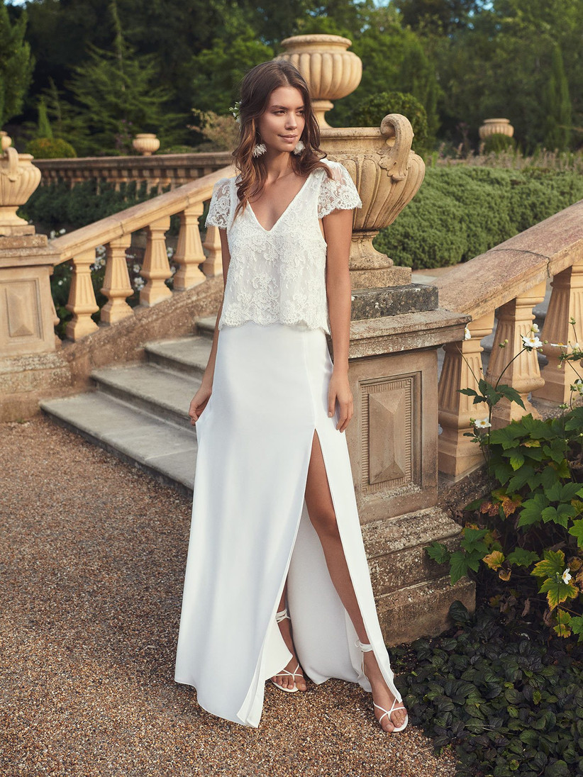 23 Of The Best Casual Wedding Dresses For Laid Back Brides